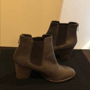 Size 10us women's brown leather ankle boots